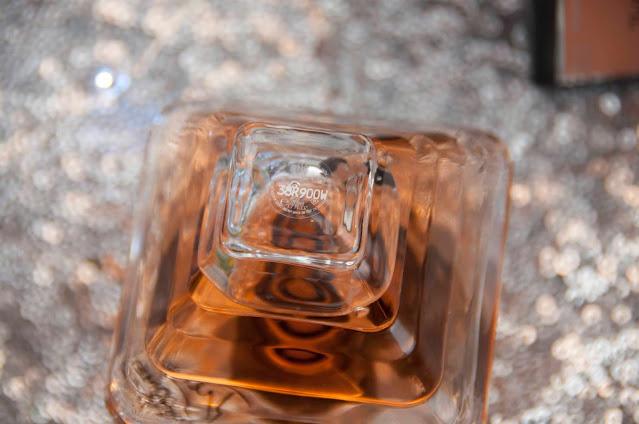 kod na spodzie perfum, Lancome Tresor opakowanie,