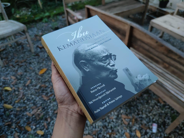buku ibu kemanusiaan