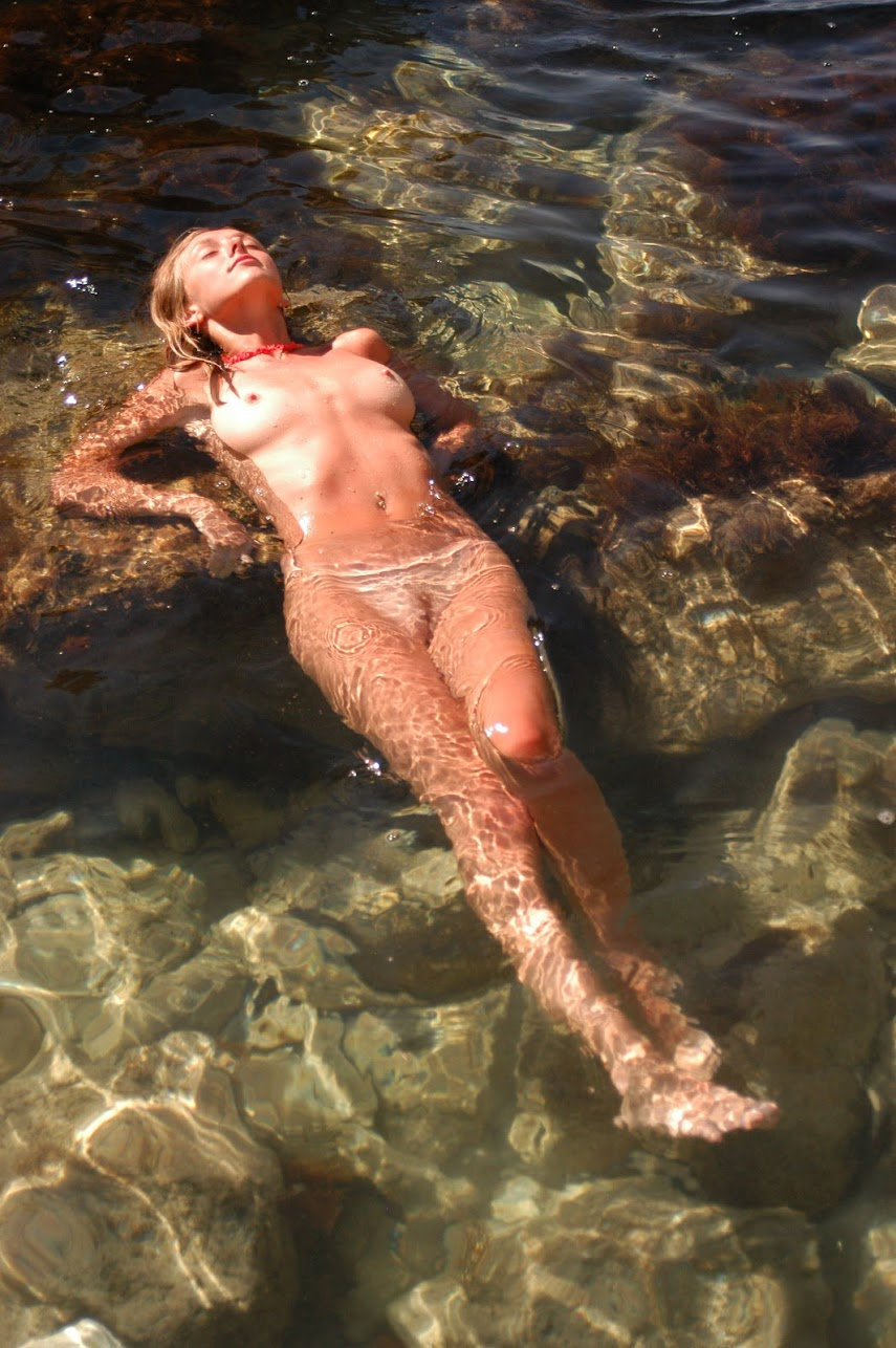 Met-Art 20041218 - Zina - Still Water - by Razin