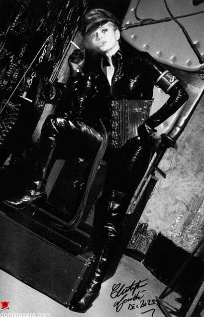 Dómina Zara, la reina del BDSM