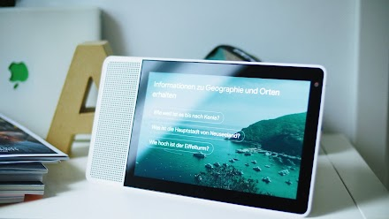 Lenovo Smart Display mit dem Google Assistant im Closer Look | Der Voice Assistent von Google im schicken Lenovo Design