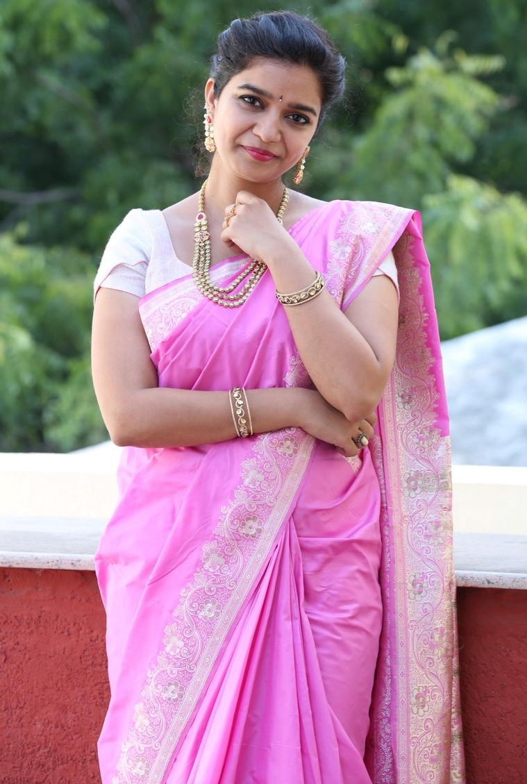 Actress Swathi Reddy Stills In Traditional Pink Saree