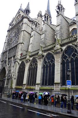 paris%2Bqueues%2Bfor%2Bnotre%2Bdame%2Btower Notre Dame Towers, Cafe and Entrance, Paris