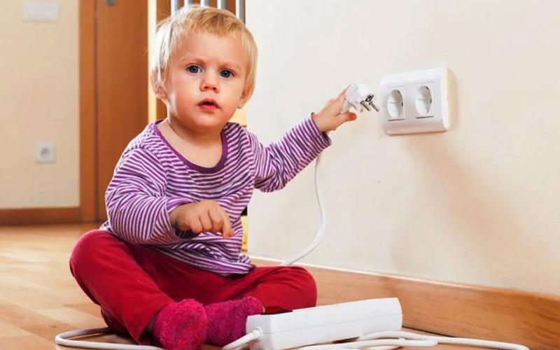 Bebek ve çocuklar için güvenli ev kılavuzu!