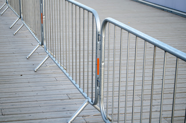 How To Choose The Right Type Of Crowd Control Barriers
