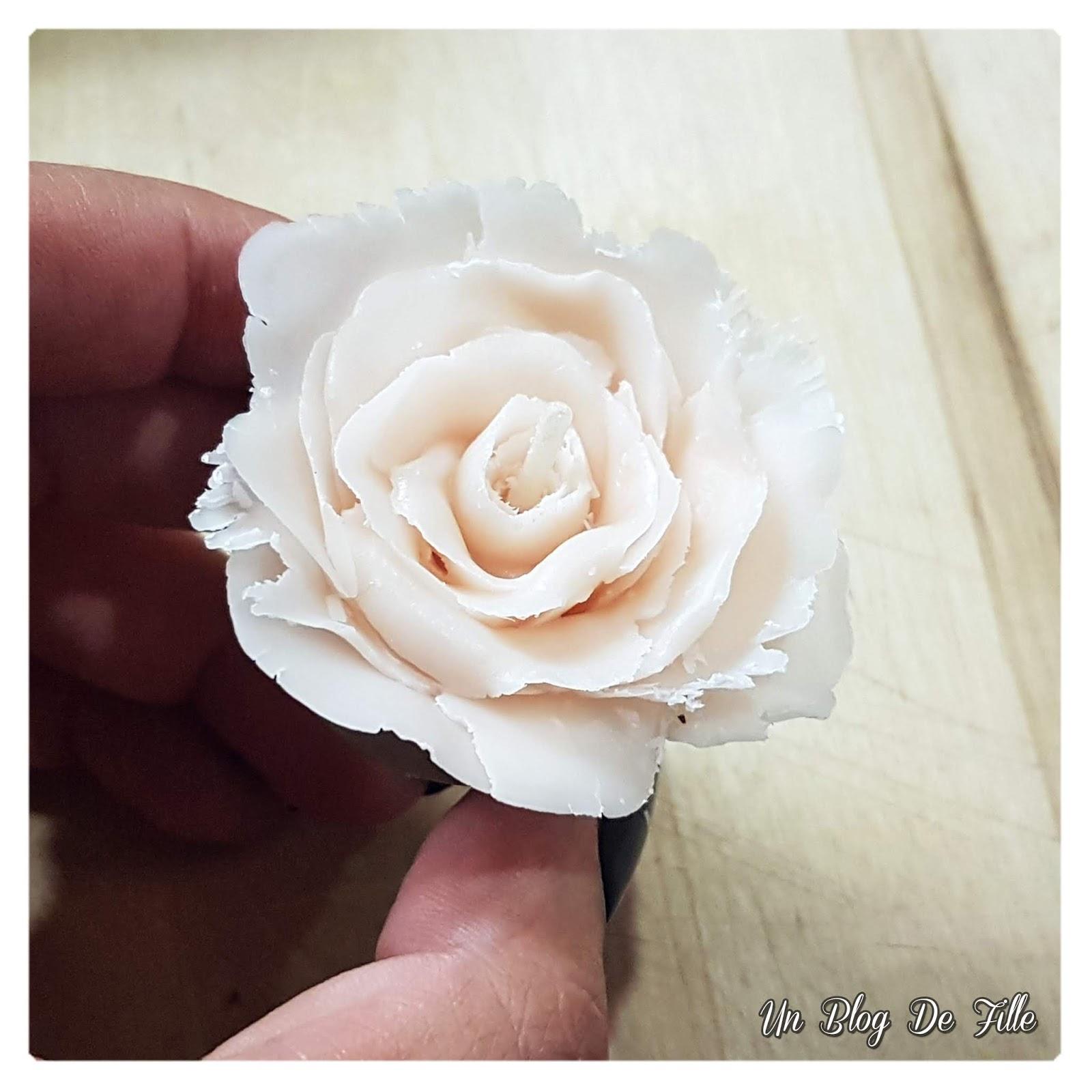 http://www.unblogdefille.fr/2020/02/diy-une-bougie-rose-pour-un-joli-cadeau.html
