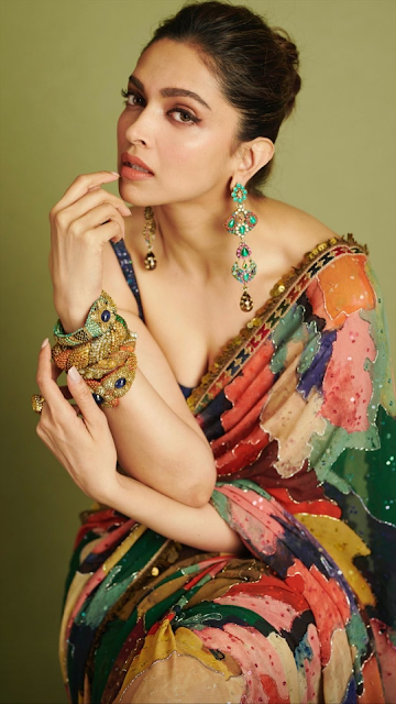 Actress Deepika Padukone Cleavage and Navel Actress Trend