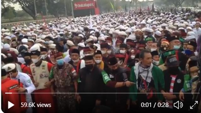 Video Suasana Terkini Penjemputan Habib Rizieq di Bandara Soekarno Hatta