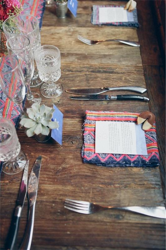 boda con toques bohemios camino de mesa etnico chicanddeco