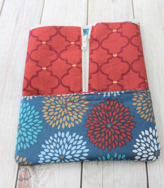 planner pouch with band