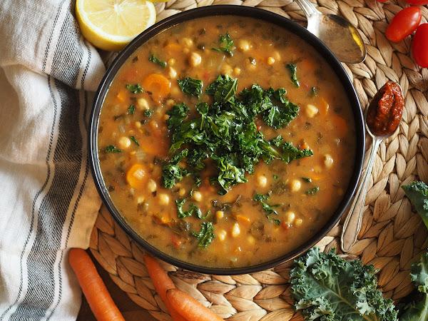 Lempeän mausteinen ja ruokaisa marokkolainen harira-keitto