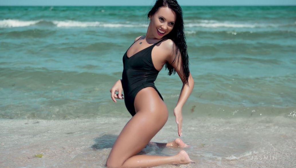 AishaJackson Model GlamourCams