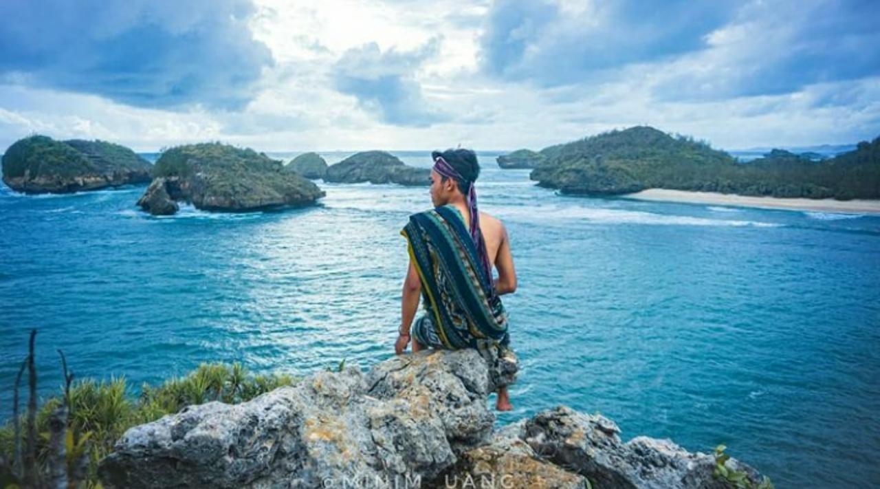 rekomendasi tempat wisata pantai di jawa timur