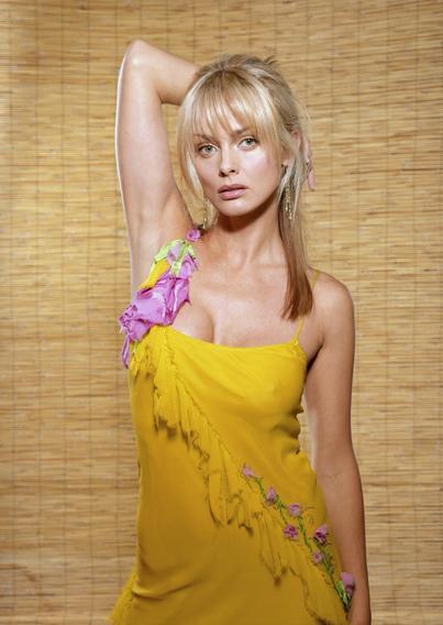 artis wanita james bond 007