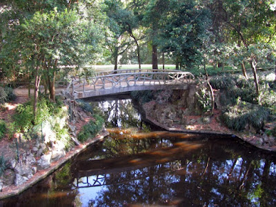 lago e ponte do Parque de São Roque