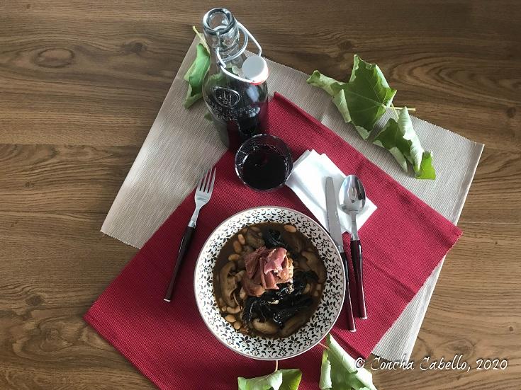 judías-pato-setas-mesa