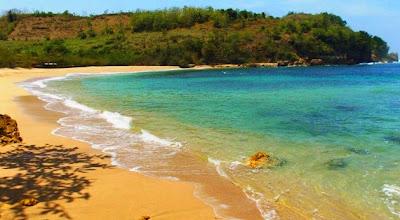 Pesona Alam Pantai Pangi Blitar yang Memukau
