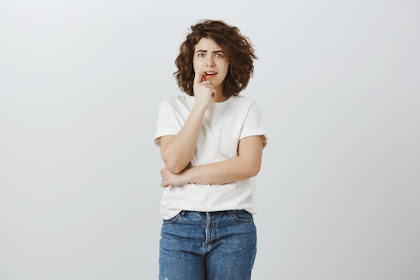 12 Tanda Kalau Kamu Seorang Overthinking