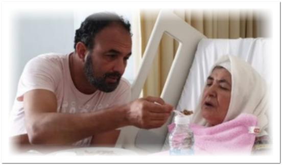 إثر تعرضها لوعكة صحية… نقل والدة الفنانين رشيد وهشام الوالي إلى المستشفى