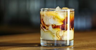 hình ảnh cocktail White Russian