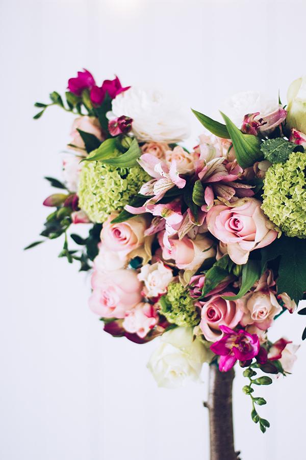 Frische Blumen zum Muttertag verschenken - wunderschöne DIY Idee für die Mama. titatoni.de