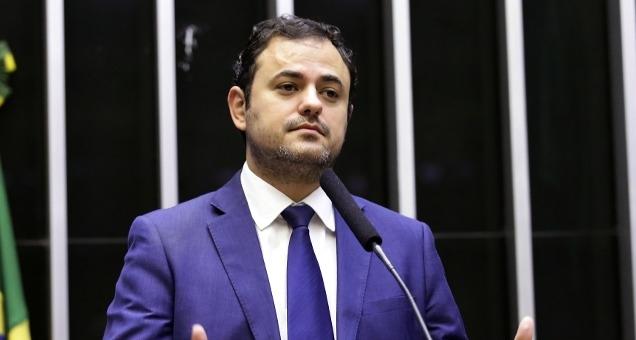 """Glauber Braga, do PSOL, volta a chamar Moro de """"juiz ladrão"""""""