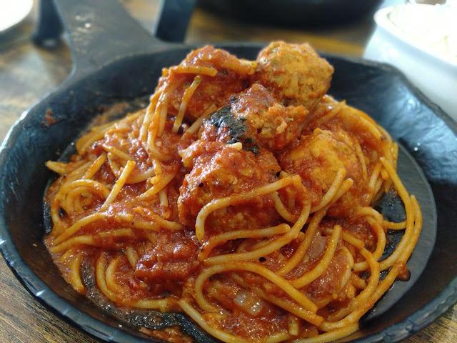spaghetti bolognese restoran lemon tree johor bahru