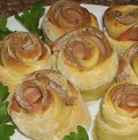 розочки из сосисок и картофеля