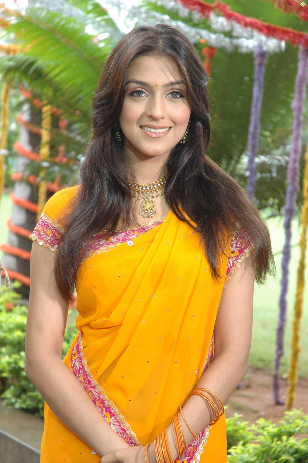 Tamil Beautiful Girls Pics