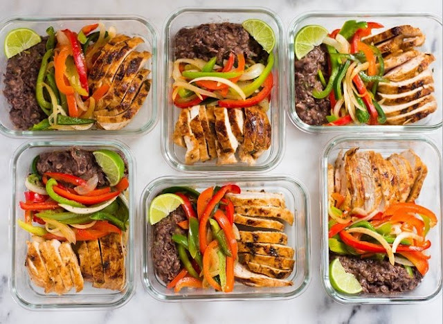 Chili Lime Chicken and Rice Meal Prep Bowls #healthy #lunch