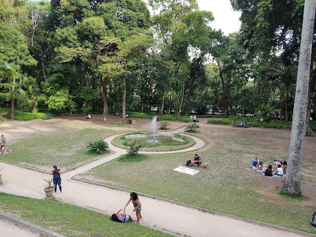 Jardim francês no Parque Lage
