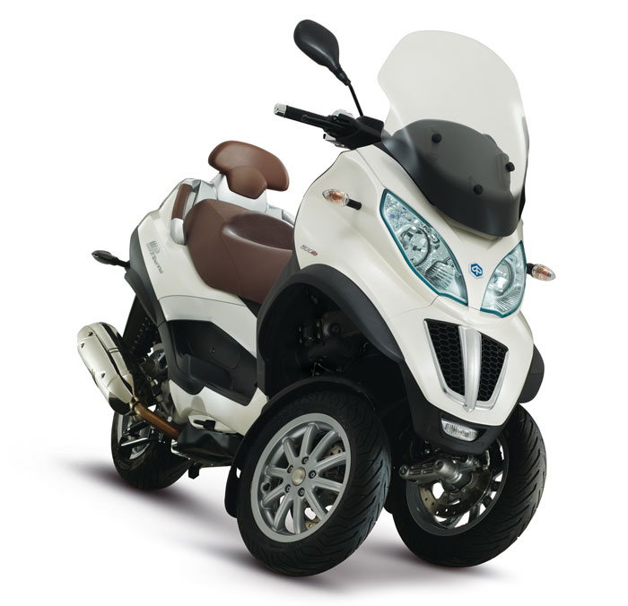 2013 piaggio mp3 touring lt 500 i e review and prices. Black Bedroom Furniture Sets. Home Design Ideas