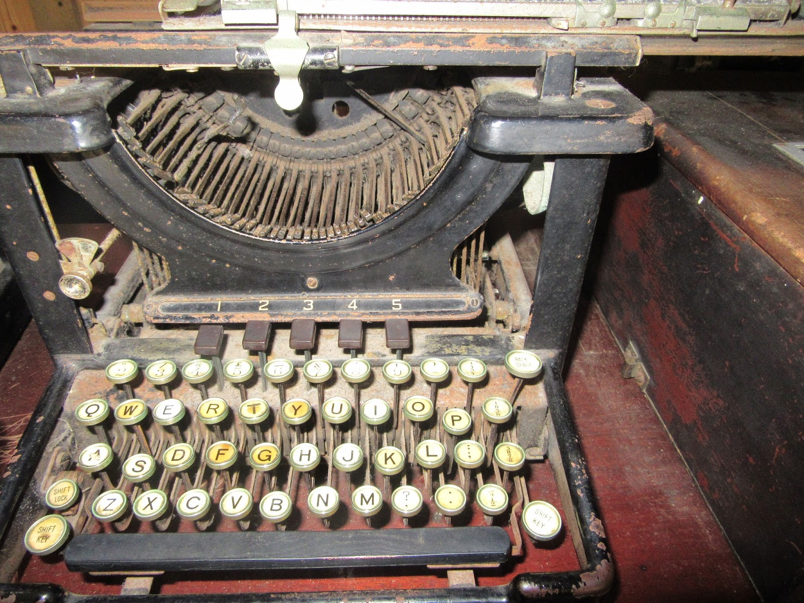 A dusty old typewriter
