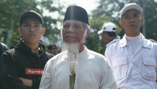 Abdullah Hehamahua di Tengah Massa Kawal Putusan MK: Bukan Dukung Prabowo