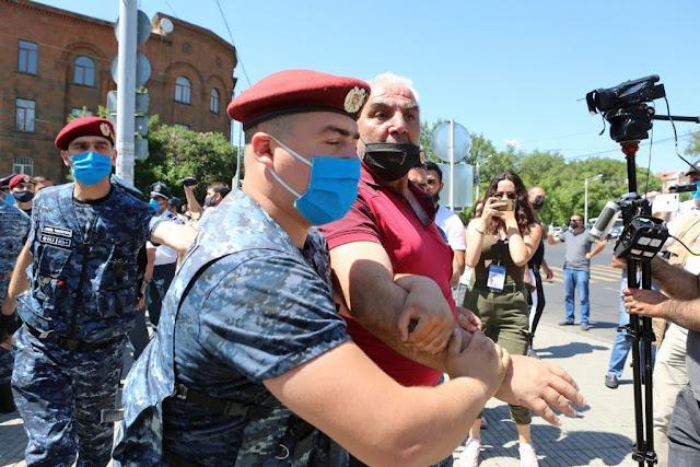 252 arrestados por protestar contra allanamiento a Tsaroukian