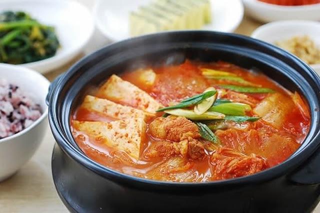kimci-guvec-kore-yemegi