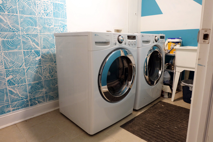 the beginnings of the laundry room makeover