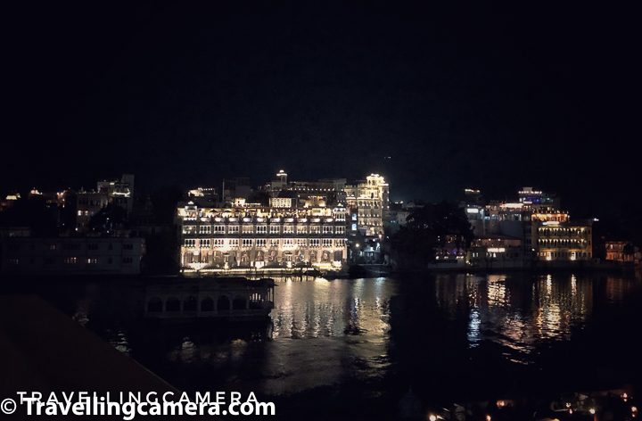 Raj Niwas has a beautiful location around Lake Pichola and all many of the main places to explore in Udaipur are nearby. Some key things about Raj Niwas Hotel :