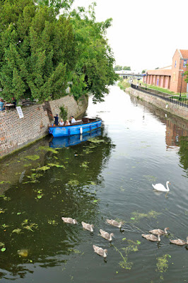 River boat trips on the River Ancholme in Brigg have restarted in 2016 - picture two  on Nigel Fisher's Brigg Blog, image taken by Ken Harrison