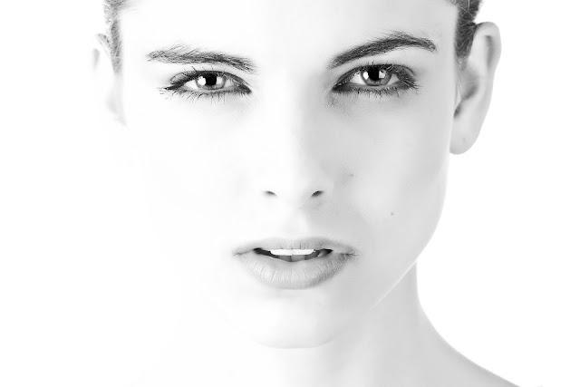 Productos naturales para remover el maquillaje de los ojos