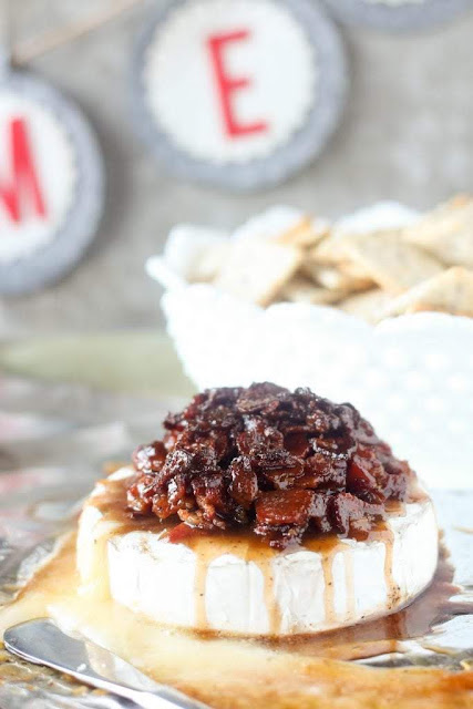 Candied Bacon Baked Brie Appetizer | Blackberry Babe