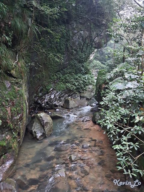 拉波波村營區 V 字型峽谷