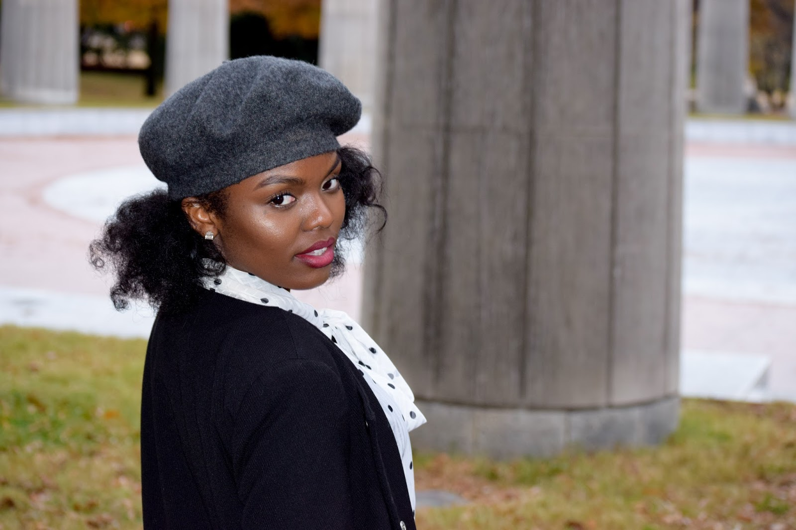 I knew pairing this grey beret with a mini skirt was going to give me  Parisian vibes. I love this look 408cb93c91d
