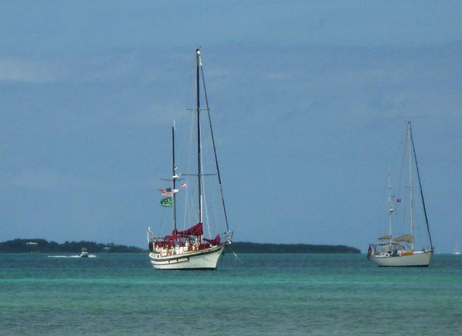adventures of s v renegade to tahiti beach beyond. Black Bedroom Furniture Sets. Home Design Ideas
