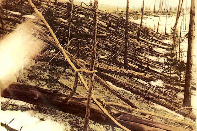 Destrucción del meteorito de Tunguska.