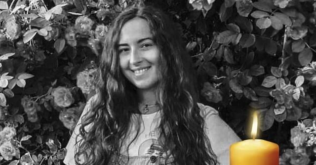 Збиралася на побачення: 22-річна жінка стекла кров'ю на сільській вулиці