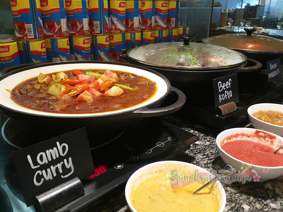 Seafood & BBQ Buffet Dinner Kembali di Renaissance Johor Bahru Hotel