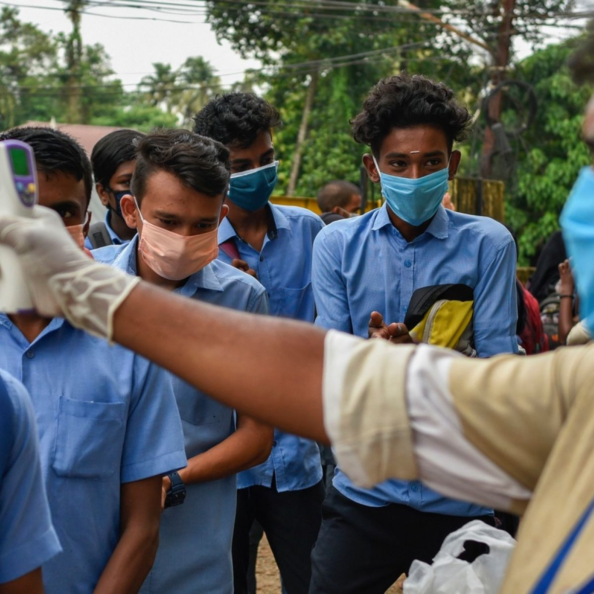 India records more than 9,000 new infections and 81 deaths from the Coronavirus