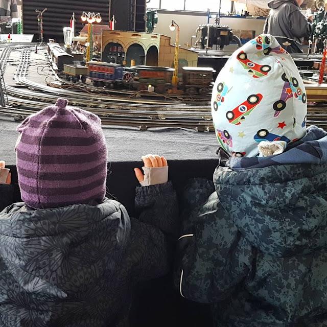 5 Ausflüge mit Kindern in Kiel bei Regenwetter. Bei den Aktionstagen im Maschinenmuseum Kiel gibt es für Kinder viel zu erleben!