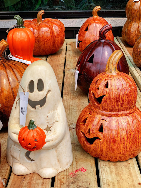 Halloween decors for your garden